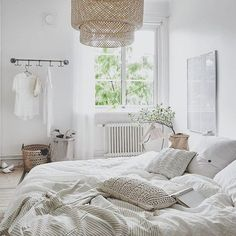 All white and beige, just the way we like it. Check out our range of all white bedding on the Ettitude website. #sleepwithettitude image via @pinterest