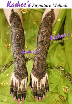 Kashee's mehndi looks stunning. Kashee's Mehndi Designs, Stylish Mehndi Designs, Wedding Mehndi Designs, Beautiful Henna Designs, Mehndi Designs For Hands, Kashees Mehndi, Pakistani Mehndi, Pakistani Bridal, Mehndi Images