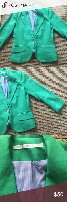 Kelly Green Gibson Blazer Kelly green blazer with blue seersucker lining. Brand is Gibson but purchased from Anthropologie. So cute! Anthropologie Jackets & Coats Blazers