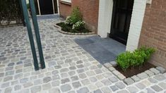 I need this lovely photo Driveway Paving, Front Walkway, Pavement, Garden Styles, Garden Inspiration, Garden Ideas, New Homes, Park, Architecture