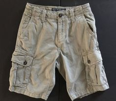 AMERICAN EAGLE Men Boys Size 26 Classic Cargo Khaki Green Shorts Distressed #AmericanEagleOutfitters #CargoClassic