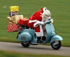 jetzt aber schnell .. - mofa,vespa,weihnachtsmann,weihnachten