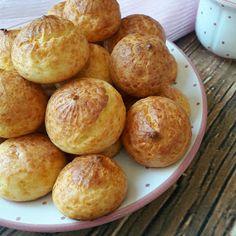 Betti gluténmentes konyhája: Sajtos pufi,sajtfánk Pretzel Bites, Baked Potato, Hamburger, Latte, Food And Drink, Potatoes, Bread, Baking, Vegetables