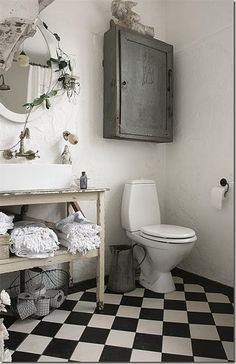 maybe it's weird to put a bathroom under 'things I love' but its a cool bathroom . . .
