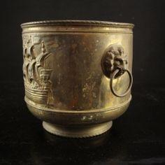 Metalliastia | Ars Auttoinen Antiikki & Taide | nettikauppa
