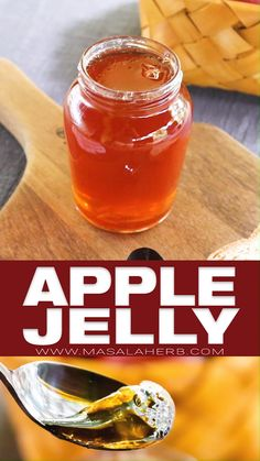 Homemade Apple Jelly Recipe with two ingredients. Natural french recipe, without artificial preservatives. Apple Recipes For Canning, Canning Apples, Homemade Jam Recipes, Preserving Apples, Homemade Food Gifts, Canning Tips, Preserving Food, Homemade Apple Juice, Canning Recipes
