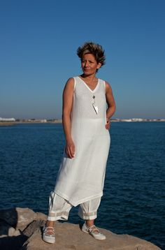 Set of white linen:Tunic and 3/4 pants