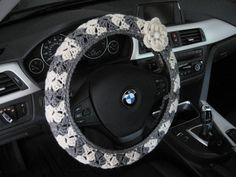 Crochet Steering Wheel Cover Wheel Cozy with a Flower von ytang