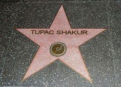 take a picture with Tupac's star!!!!!!!!!!!!!