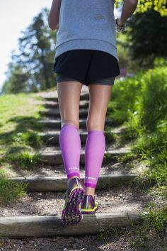 Sportstrumpor med kompression och sockar är viktiga plagg som kan göra stor skillnad vid fysiskt aktivitet.