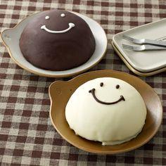 ブラック&ホワイトスマイルケーキ