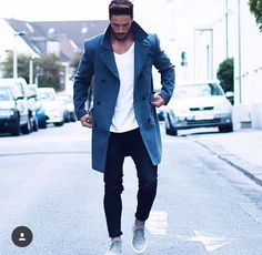 Don't forget to check out our overcoats and how to wear them. Here Are 17 chic ways to wear overcoats. overcoat is our favorite. Men Looks, Stylish Men, Men Casual, Smart Casual, Fashion Mode, Fashion Trends, Fashion Styles, Fashion Lookbook, Daily Fashion