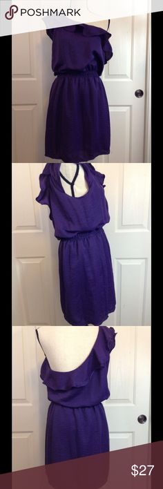"""Chelsea & Violet Ruffled Design Mid Length Dress Very gently worn gorgeous dress with open back one shoulder design. There is light pilling only flaw. Approximate measurements: waist 22"""" but is stretchy chest 29-31"""" length from waist to bottom 18"""" size is listed as large  but definitely more like a small or medium-small. Please note color is most true in last picture. Chelsea & Violet Dresses One Shoulder"""