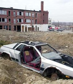 Abandoned Lancia Scorpion Makes Youngstown Ohio 15th Most Dangerous City In America Find CarsRusty CarsAbandoned CarsBarn