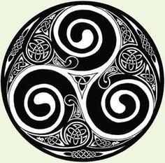 Celtic Triskele tattoo, spirit animals - Google Search                                                                                                                                                      Más