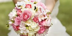 Brautstrauß weiss rose  amazing colours in this #wedding #bouquet, # ...