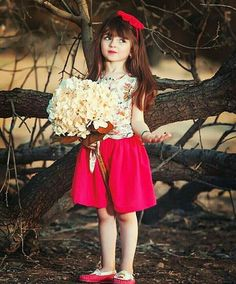 Now you are one of them to search girl dp Cute Little Baby Girl, Cute Baby Girl Pictures, Girl Photos, Cute Girls, Cute Babies, Twin Babies, Kids Dress Wear, Kids Wear, Cute Baby Wallpaper