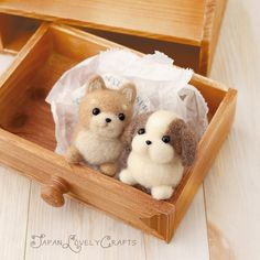 He encontrado este interesante anuncio de Etsy en https://www.etsy.com/es/listing/177480984/japanese-needle-wool-felt-mascot-diy-kit