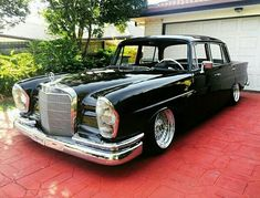 Classic Car News Pics And Videos From Around The World Mercedes Sport, Mercedes Benz 220, Lowrider, M Benz, Mercedez Benz, Classic Mercedes, Cars And Motorcycles, Luxury Cars, Cool Cars