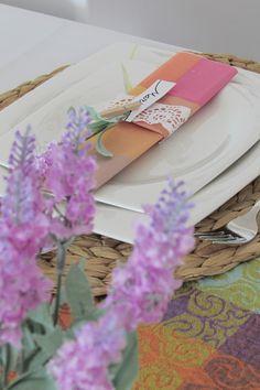 decoración mesa veraniega lavanda