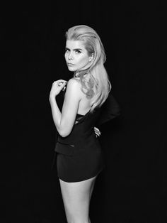 See Paloma Faith pictures, photo shoots, and listen online to the latest music. Paloma Faith Hair, Dark Art Photography, Eccentric Style, Women In Music, Female Singers, Star Fashion, Good Music, Beautiful People, Photoshoot