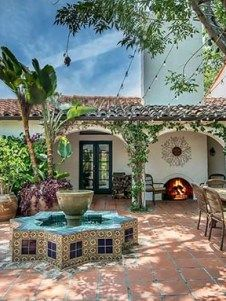 Dream House Tour: Beautiful Spanish Revival Home in Los Angeles Mediterranean Architecture, Mediterranean Style Homes, Spanish Architecture, Architecture Interiors, House Architecture, Spanish Revival Home, Spanish Style Homes, Spanish House, Spanish Modern