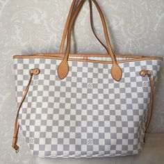 vintage louis vuitton handbags at dillards New Louis Vuitton Handbags, Louis Vuitton Neverfull Damier, Louis Vuitton Sale, Replica Handbags, Lv Handbags, Vintage Louis Vuitton, Fashion Handbags, Louis Vuitton Monogram, Designer Handbags