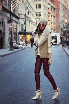 Street style fashion / karen cox. Love this sexy winter street style - cute jacket and sexy skinnies