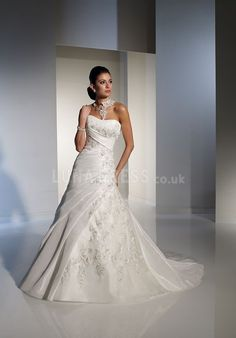 Classic Organza Sweetheart A line Sleeveless Court Train Bridal Gowns