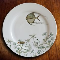 Eating on art is always a pleasure, especially with the intricately drawn angelfish motifs on this dish.