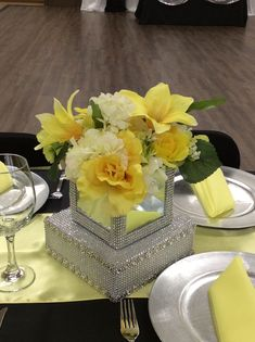 Love this light yellow contrasted with black and silver. Bling Centerpiece, Yellow Centerpieces, Candle Centerpieces, Wedding Centerpieces, Wedding Decorations, Table Decorations, Light Yellow Weddings, Anniversary Parties, Event Decor