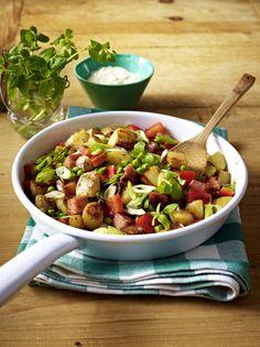 Unser beliebtes Rezept für Gröstel von neuen Kartoffeln mit Kasseler und Erbsen und mehr als 55.000 weitere kostenlose Rezepte auf LECKER.de.