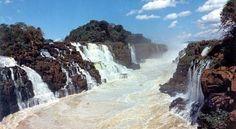 Los Saltos del Guairá era uno de los mayores espectáculos visuales de Sudamérica hasta su desaparición en el año 1982 como consecuencia de la construcción de la presa de Itaipú