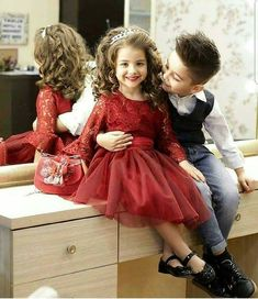 Stay cute: 💙 Cute baby couple ❤They really make me feel in l. Cute Baby Couple, Cute Baby Girl Pictures, Cute Couples, Cute Babies, Sweet Couple, Cute Quotes For Kids, Cute Kids Pics, Nice Girl Image, Vintage Baby Mädchen