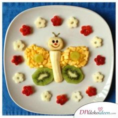 fruit plate for kids with butterfly ( Healthy eating with a good amount of fiber from fruit like bananas helps kids poo and makes potty training easier! Food Art For Kids, Cooking With Kids, Cooking Light, Caterpillar Recipe, Cute Food, Good Food, Cute Breakfast Ideas, Kreative Snacks, Childrens Meals