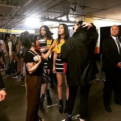 Yaaas! #BellaHadid alistándose para el desfile. #tommynow #TOMMYXGIGI  via MARIE CLAIRE MEXICO MAGAZINE OFFICIAL INSTAGRAM - Celebrity  Fashion  Haute Couture  Advertising  Culture  Beauty  Editorial Photography  Magazine Covers  Supermodels  Runway Models