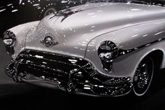 99 WOW: Lustrous Realistic Automobile Paintingsرسومات لسيا...