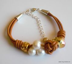 Tan leather bracelet with knots and pearl Rope Jewelry, Beaded Jewelry, Jewellery, Leather Necklace, Leather Jewelry, Bead Loom Bracelets, Jewelry Bracelets, Bracelet Making, Jewelry Making