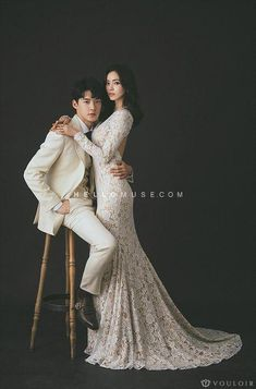 31 ideas wedding photos bride couple for 2019 Pre Wedding Shoot Ideas, Pre Wedding Poses, Wedding Couple Poses, Pre Wedding Photoshoot, Wedding Pics, Wedding Inspiration, Bridal Shoot, Fall Wedding, Studio Posen