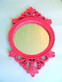 Moldura em gesso com espelho . 45 x 26 cm PODE SER FEITO NA COR DE SUA PREFERENCIA ! R$ 40,00