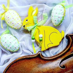 The whole week with Mozart's Requiem d-minor at work brings a specific mood. But now at home I see everything in bright spring colours  ______________________ #easter   #easter2017  #easterbunny   #violin   #violino    #violinist   #geige   #skrzypce   #zajac   #eastertime   #yellow   #tabledecor   #eastereggs   #shared_joy   #lovely_squares_1   #easterfun   #spring    #spring2017   #easterholidays  #springfun   #april   #artist   #art   #decor   #inspiration   #thinkpositive   #musiclife…