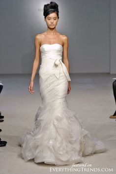 Get the Vera Wang Wedding Dress of your dreams at up to off - new and pre-owned. Tradesy is trusted by millions of women for wedding dresses, clothing, bags & more! Italian Wedding Dresses, Used Wedding Dresses, Bridesmaid Dresses, Bride Dresses, Vera Wang Bridal, Vera Wang Wedding, Bridal Collection, Dress Collection, Pretty Dresses