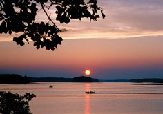 Google Image Result for http://www.sciway.net/sc-photos/wp-content/uploads/lake-murray-sunset.jpg