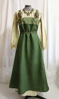 Norna's Mystery Etsy Store Viking Cosplay, Viking Garb, Viking Dress, Viking Costume, Renaissance Costume, Medieval Costume, Medieval Dress, Historical Costume, Historical Clothing