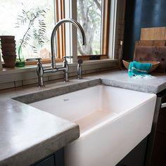 Farm sink with gooseneck faucet