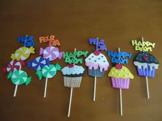 Diy And Crafts, Paper Crafts, Ideas Para Fiestas, Diy Cards, Birthday Party Invitations, Happy Day, Cupcake Toppers, Diy For Kids, Valentine Gifts