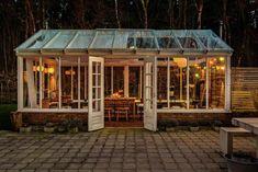 Garden Cafe, Garden Cottage, Home And Garden, Greenhouse Interiors, Backyard Greenhouse, Outdoor Rooms, Outdoor Living, Outdoor Decor, Weekend House