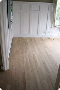 Tips & thoughts on flooring options from Thrifty Decor Chick!