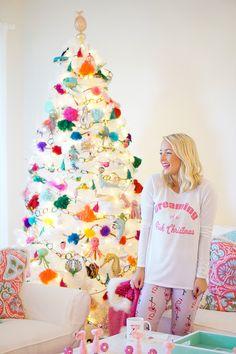 White Christmas tree and sea creature tree ornaments // www.amybelievesinpink.com