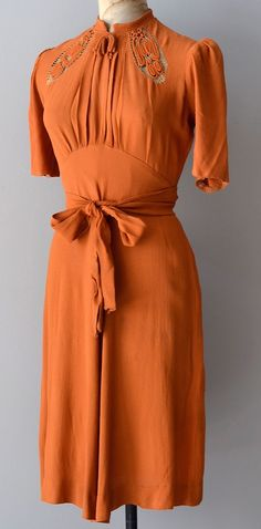 vintage pumpkin orange rayon crepe dress with utterly gorgeous bodice - high gathered collar with trapunto and net inserts, ruched puff short 1930s Fashion, Moda Fashion, Retro Fashion, Vintage Fashion, Womens Fashion, Club Fashion, Diy Fashion, Fashion Tips, Vestidos Vintage